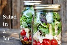 Paleo Mason Jar Meals / Mason jar meals are perfect for when you're on the go and still want to eat healthy. Quick, easy meals in 10-minutes or less.