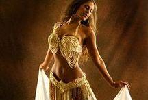 Belly Dancing / Mid-Eastern Dance / F: WaB-BW  o2114 bi19 / by Kythoni