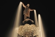 Fountain Square / Fountain Square is the heart of Cincinnati. Featuring the Tyler Davidson Fountain (dedicated in 1871), this area is located in downtown Cincinnati at the corner of 5th and Vine Streets.
