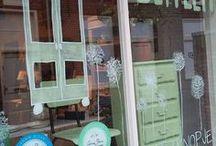 Chalk Paint ™ van Annie Sloan voorbeelden / Annie Sloan Chalk Paint voorbeelden. Allemaal foto's wat klanten doen met de verf van Annie Sloan. Annie Sloan verf Voorbeelden op meubels, trappen, vloeren, stof, kasten, keukens en nog veel meer voorbeelden die u laten zien wat je kan doen met Annie Sloan Verf.