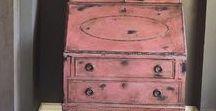 Scandinavian Pink voorbeelden van Annie Sloan Chalk Paint / Annie Sloan Chalk Paint Scandinavian Pink is een traditionele kleur die je veel ziet op Zweedse meubels gaat goed samen met Chalk Paint ™ van Annie Sloan Cream en Versailles.