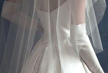 Fashion: Wedding Dresses / by Mada Vorster