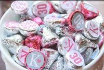 Recipes ✭ Give me a Kiss / Everything Kisses! Punny printables, delicious cookies, and SO CUTE decorations!