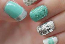 ..nail polish.. / by Maddie Hunt