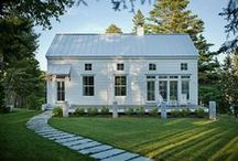 Cottage / by Lizzie Verney