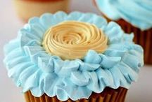 Nom Nom - Cupcakes & Muffins / by Pascale De Groof