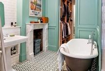 Bathrooms / by Angie Gordon