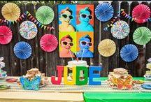 Fiesta años 80 / 80s party ideas / Ideas para una fiesta años 80, originales y graciosas, ¡para que tu fiesta sea la más divertida jamás! Para más ideas para tu fiesta ochentera, visita www.fiestafacil.com / by FIESTAFACIL