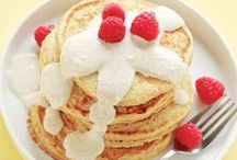 Clean Pancake Recipes / Nothing is better than a warm, crispy pancake. For brunches or breakfast for dinner, these clean pancakes will satisfy your cravings without making you gain the weight.