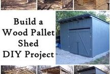 "Wood Pallets Projects - The Homestead Survival / Great ideas to create functional projects using reclaimed wood salvaged from free wood pallets. Always look for the stamp "" HT "" on wood pallets meaning they were heat treated and not chemically treated. Only 10% of wood pallets are chemically treated, it is a requirement when they are used for shipping items overseas. / by The Homestead Survival"