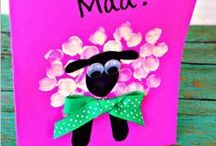Love Mothers Day activities for kids / There's so many special and lovely ways to craft for Mother's Day with your kids. So here we've collected some of our favourite ideas, and crafts to help you enjoy a wonderful day as a family;making Mother's Day just that little bit more special for her and the kids.