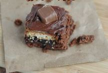 Best Brownie Recipes / Tame your chocolate craving with the brownie recipes! They're the best of the best!