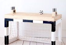 Football bedroom ideas for boys / Building a boys bedroom based around foot ideas then here are some great products to get you thinking!
