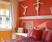 Tween Girl Bedroom ideas / If you are looking to create a bedroom for your tween girl; then we have a few fab ideas for you