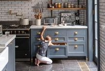 design | kitchen / What woman doesn't dream of her ideal kitchen? Sometimes I ruminate over the look of my future kitchen for hours. Lots of light, clean colors, artistic flourishes, sweetly organized with tons of natural textures. That's my place.