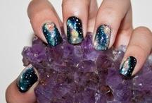 Nails Nails Nails / by Maura Zingsheim