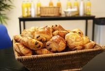 Les salles de pause / Chez ORSYS Formation, le petit déjeuner et les collations des pauses sont offerts.