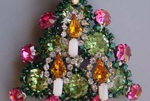 Christmas Brooches / by Billie Poss