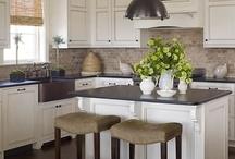 kitchen islands / by Ann Droznick