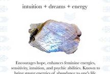 tiny devotions // witch / Crystal guide infographics from Tiny Devotions. Crystal healing info at a glance.