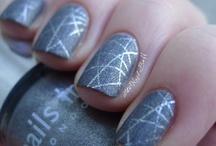 The Nail Buff / Nail Art and Polish Swatches