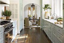 kitchens / by Julie Meeks