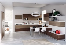 Evolution - Kitchens / Design by Vuesse | Evolution is a kitchen capable of satisfying all needs in house living conditions, of interpreting the dream of a fully customised kitchen / by Scavolini