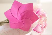 pink origami / A collection of pink origami