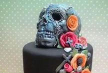 Amazing Cakes / by Organized Chaos