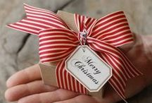 just add a bow / The holidays are almost here, so we put together a beautiful collection of DIY gift wrapping ideas.