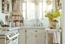 Kitchen / by Jessica Worwood