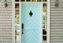 Outside House Decor / by Jessica Worwood
