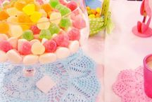 SWEET AND DESSERT TABLES, MESAS DE DULCES Y GOLOSINAS / by Mary Carmen