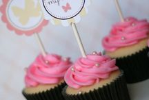 Mother's Day / All about mom! Gift ideas, DIY projects and cards to perfectly posh party ideas to celebrate motherhood. Mother's Day High Tea, Picnic ideas and more.