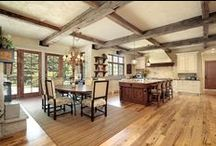 Rustic Home Inspiration / Rustic style reflects nature, cultures and traditions. It is a relaxed and comfortable look that can easily employ design elements such as floral patterns, stripes and plaids. The natural characteristics of wood and stone especially highlight the beauty of rustic style.