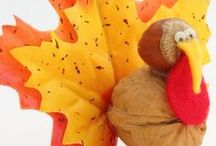 Thanksgiving with Kids / Thanksgiving-inspired crafts, books, and activities for kids