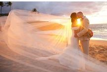 Sunset Wedding Photography / Maui creates some of the most stunning sunsets perfect for wedding photography