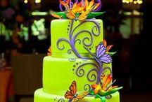 Cake Ideas / by Sofia Villarreal