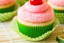 Cupcakes / by Jeslee Murphy