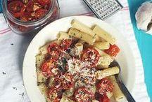 Food& D r i n k / by Sammy Rippon