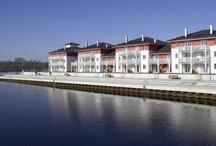 DORFHOTEL Boltenhagen / Ostsee  / Zwischen Lübeck und Wismar, auf der Halbinsel Tarnewitz, liegt das DORFHOTEL Boltenhagen an einem der schönsten Küstenstreifen der Ostsee.  In wenigen Schritten erreichen Sie vom Hotel aus den Strand. Gelegen im Ferienresort Weiße Wiek bietet es viele Freizeitmöglichkeiten  wie z.B. Innen/Außenpool, 2 Saunen, Wassersport, Fahrradverleih, Minigolf, die Kinderbetreuung ab 8 Mo. in Resis Kinderwelt u.v.m.  Das DORFHOTEL Boltenhagen ist Ihr Hafen für die Seele.