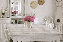 Dining In Style / Eggshell, mismatched and still elegant eating area