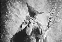 hagezussen / Don't like the word witch or heks, hagedisse is a old dutch word for  solitary hedgewitch - hagedis means lizard  - hagezussen are hedgesisters