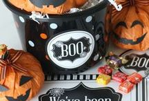 """Easy Family Halloween Ideas / In partnership with Mars Walmart we are sharing Halloween ideas that are fun for the whole family. We've got ideas for putting together a """"You've Been Boo'd"""" bucket, free printable Halloween bingo cards, a free printable Halloween countdown calendar, family costume ideas, food ideas, and of course lots of candy favorites like M&Ms, Skittles, and Snickers!"""