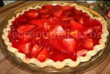 Food:  Desserts / by Anita Freeman
