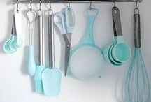 Kitchen Cleaning / The best cleaning tips from around the web to make your kitchen spotless. Pins & re-pins do not equal the endorsement of any product.