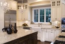 Kitchen / by Leslie F
