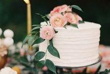 Cake & Cookies / by Hannah Cybul