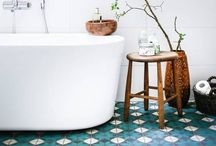 Bathroom Ideas / Whether you have a small or large bathroom, you need inspiration, and this board has lots of it. Shower rooms, ensuites or family bathroom. Tiles, taps, showers flooring and looks.