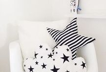 M O N O C H R O M E . K I D S . D E C O R / Monochromatic color scheme, Black and White Kids Rooms, Barnerom, Monochrome Kids, Monochrome Nursery Ideas, Monochrome Childrens Bedrooms
